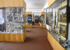 Exhibition of porcelain (china)